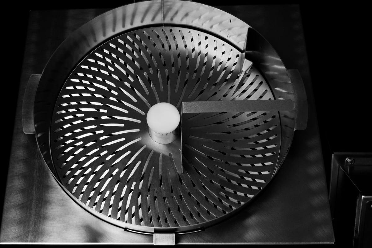 Model-M-Dry-Trimmer-Detail25-1